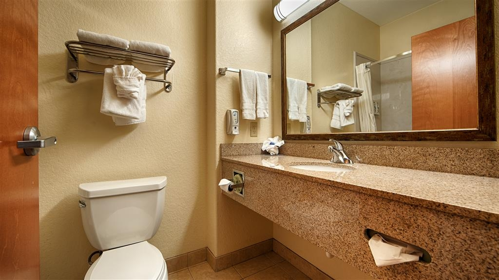 Best Western Plus San Antonio East Inn & Suites - Gästebad