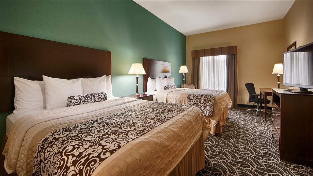 Best Western Plus Katy Inn & Suites - Habitación con dos camas de matrimonio grandes