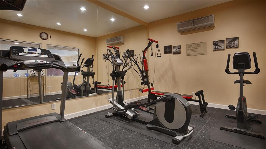 Best Western Plus Manvel Inn & Suites - Centre de fitness
