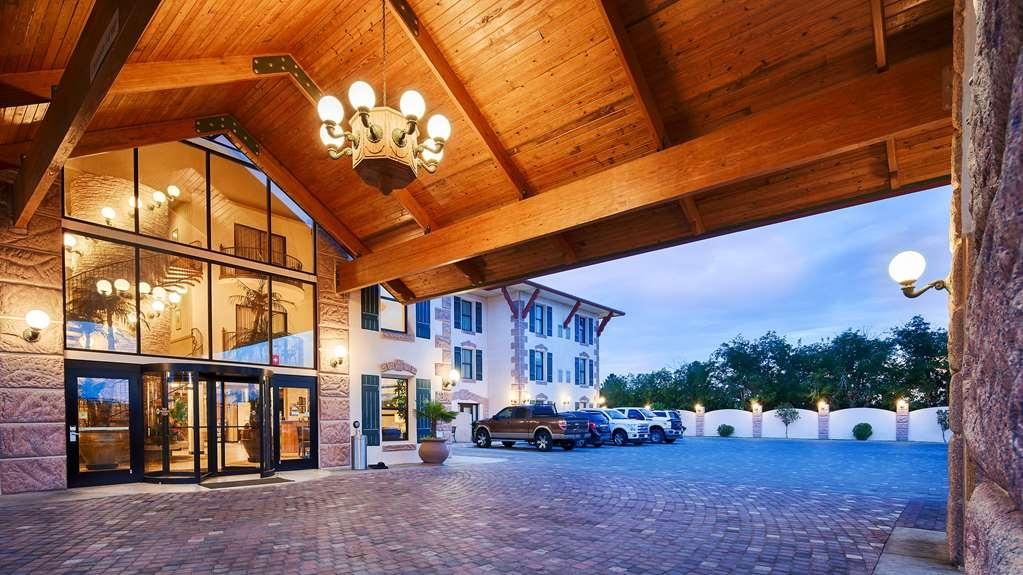 Best Western Plus Swiss Chalet Hotel & Suites - façade extérieure