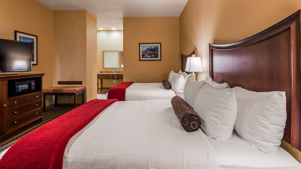 Best Western Plus Swiss Chalet Hotel & Suites - Suite