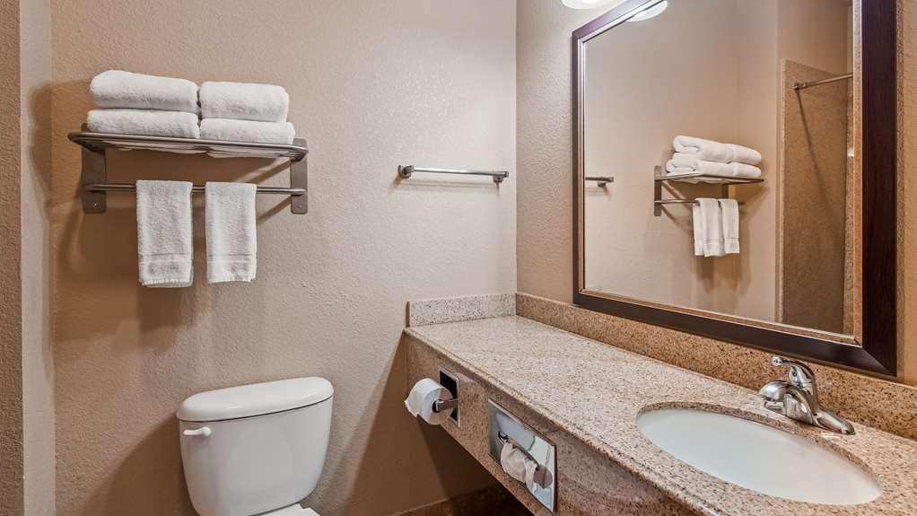Best Western Hondo Inn - Guest Bathroom