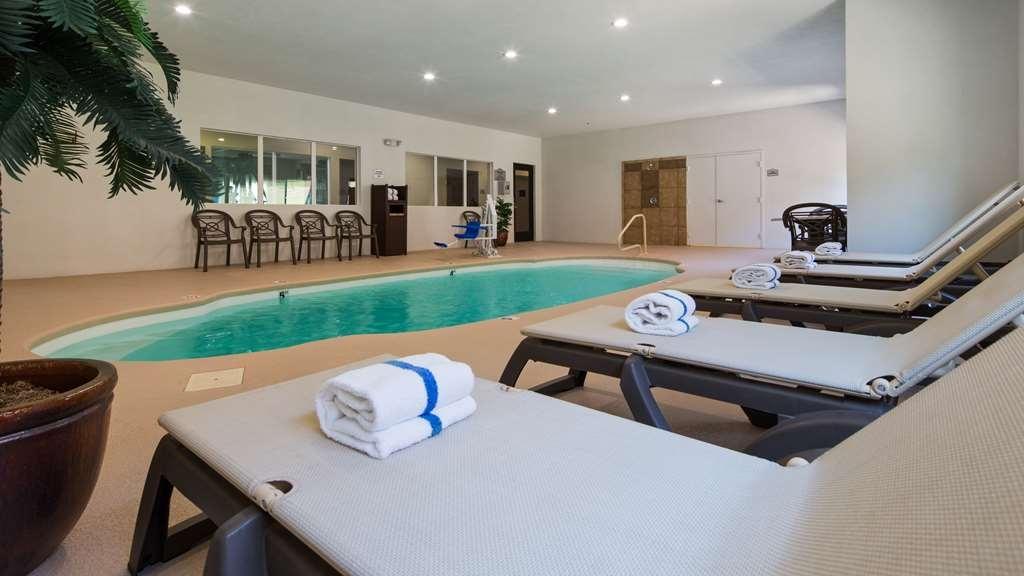 Best Western Oasis Inn - Vista de la piscina