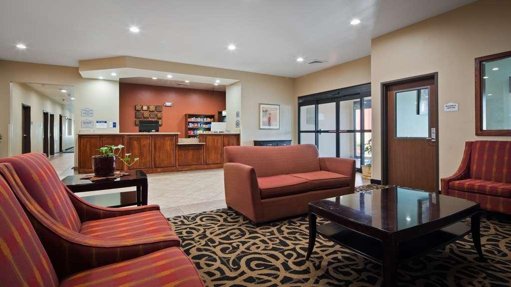 Best Western Oasis Inn - Vista del vestíbulo