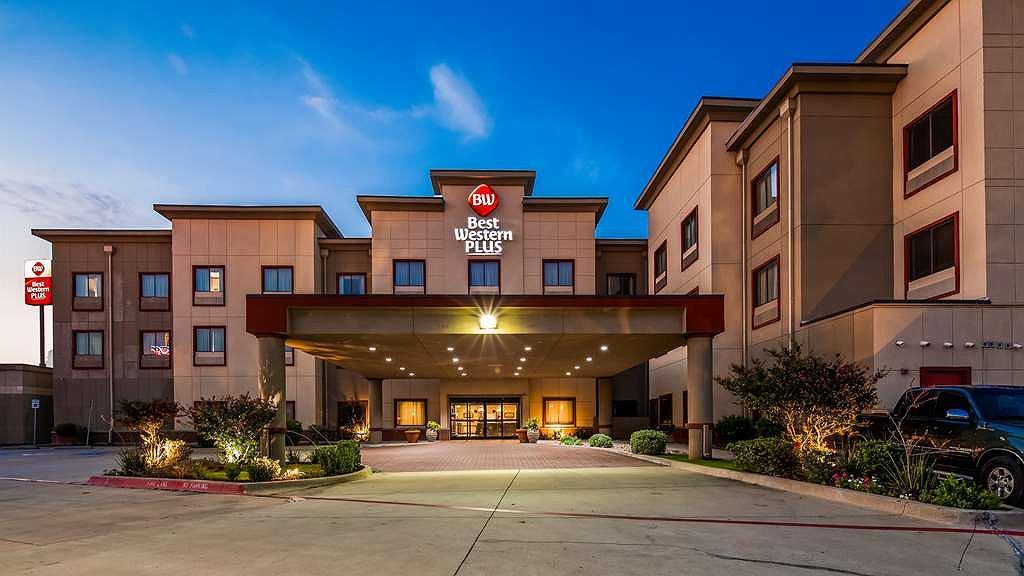 Best Western Plus Texoma Hotel & Suites - Vista exterior