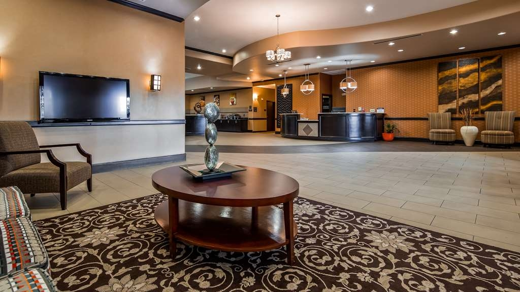Best Western Plus Texoma Hotel & Suites - Hall