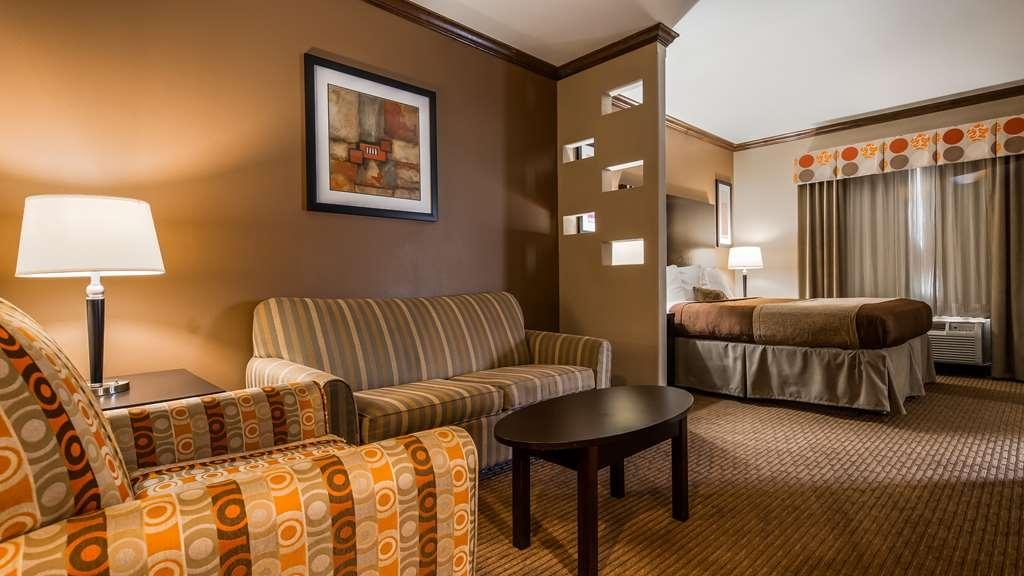 Best Western Plus Texoma Hotel & Suites - Suite