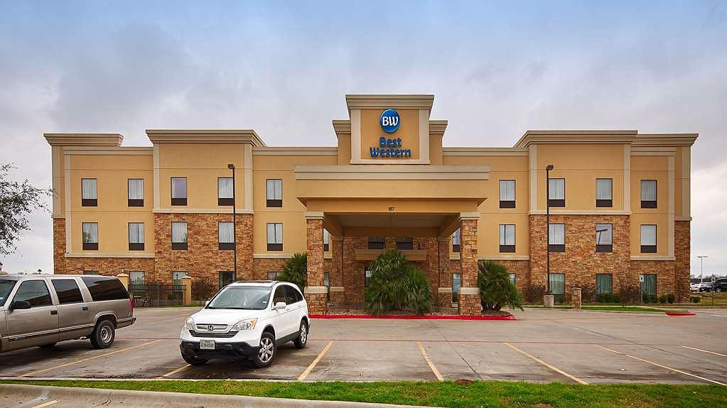 Best Western Bastrop Pines Inn - At the Best Western Bastrop Pines Inn we focus on the details to make you feel at home.
