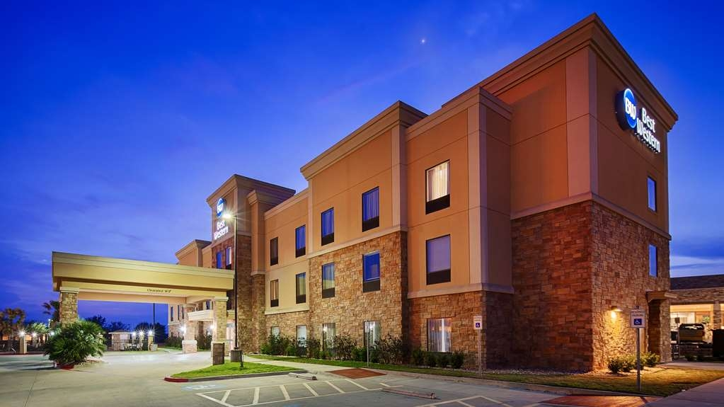 Best Western Bastrop Pines Inn - Enjoy a wonderful and satifying experience at the Best Western Pines Inn.