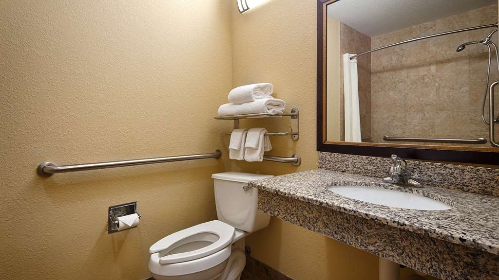 Best Western Bastrop Pines Inn - All guest bathrooms have a large vanity with plenty of room to unpack the necessities.