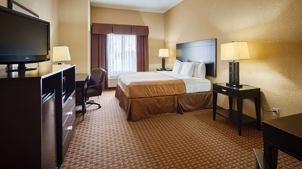 Best Western Bastrop Pines Inn - We offer a variety of king rooms from standard to mobility accessible.