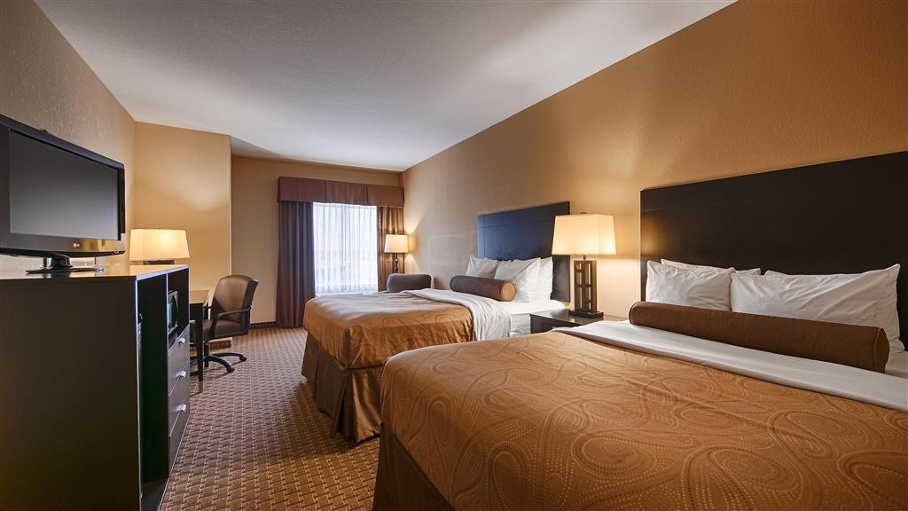 Best Western Bastrop Pines Inn - We offer a variety of 2 queens from standard to mobility accessible.