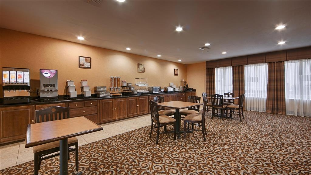 Best Western Bastrop Pines Inn - Join us every morning for a variety of your favorite morning treats.