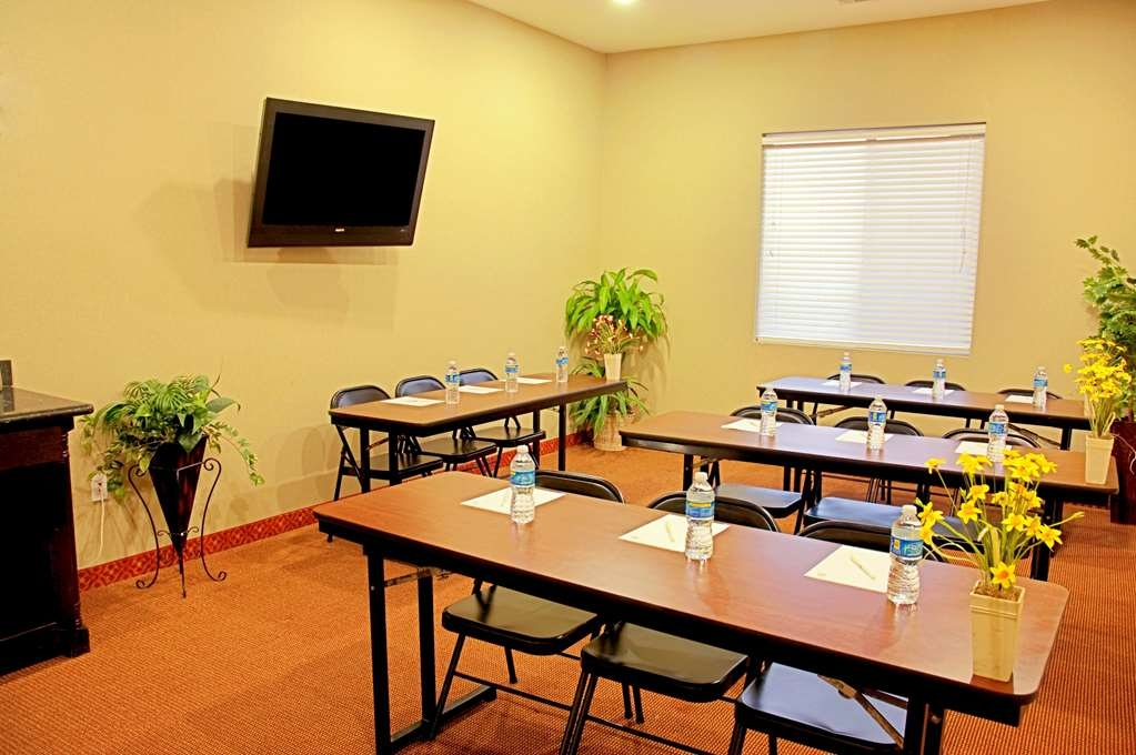 Best Western Bowie Inn & Suites - Our meeting room is perfect for moderate sized gatherings presentations or seminars.
