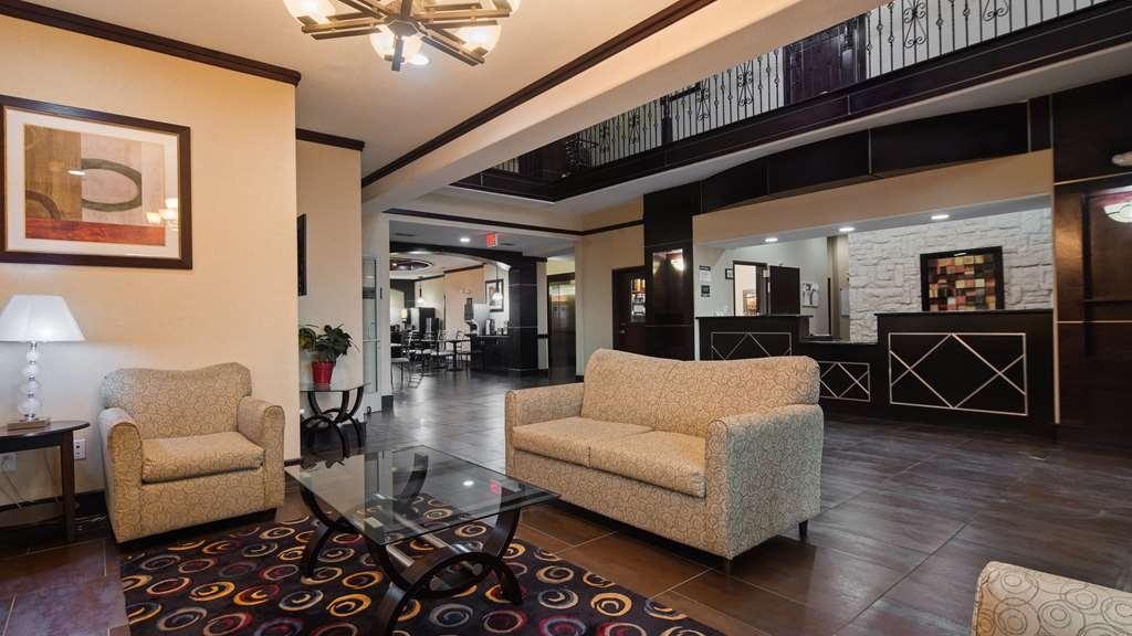 Best Western Bowie Inn & Suites - Vista del vestíbulo