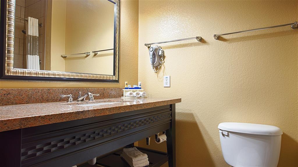 Best Western Bowie Inn & Suites - Baño
