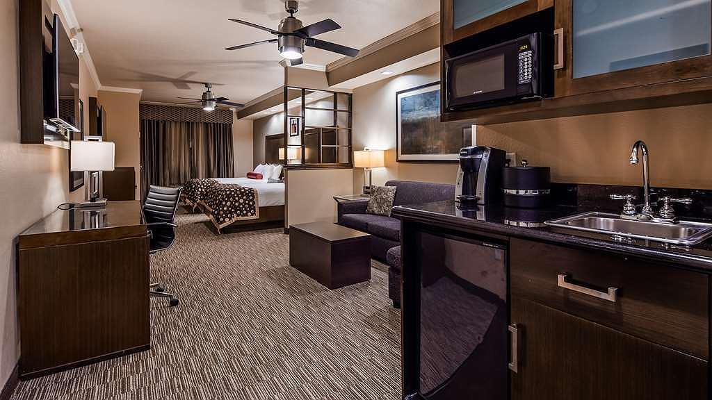 Hotel en Denton | Best Western Premier Crown Chase Inn & Suites