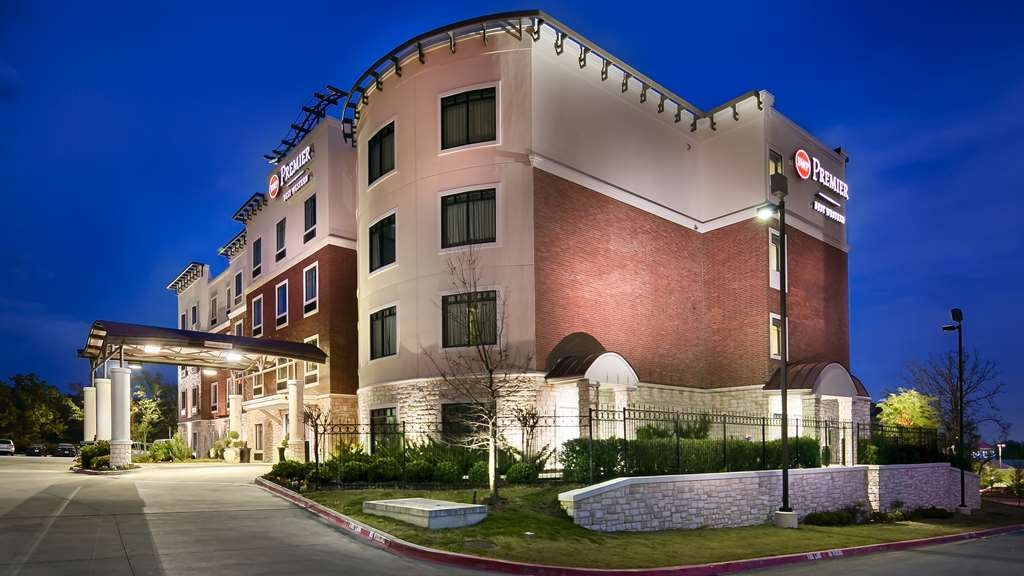 Best Western Premier Crown Chase Inn & Suites - frente-exterior