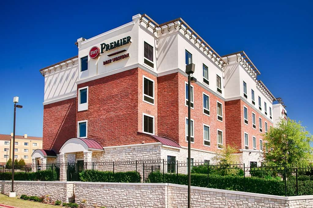 Best Western Premier Crown Chase Inn & Suites - lato externo