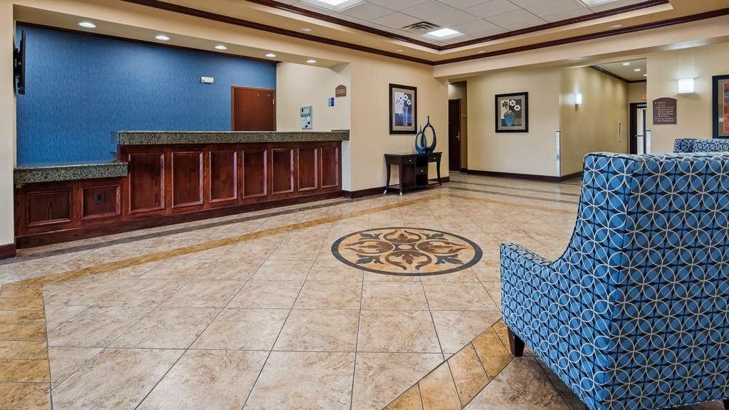 Best Western Lamesa Inn & Suites - Vista del vestíbulo
