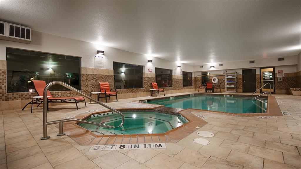 Best Western Plus Palo Alto Inn & Suites - Piscine intérieure et bain bouillonnant