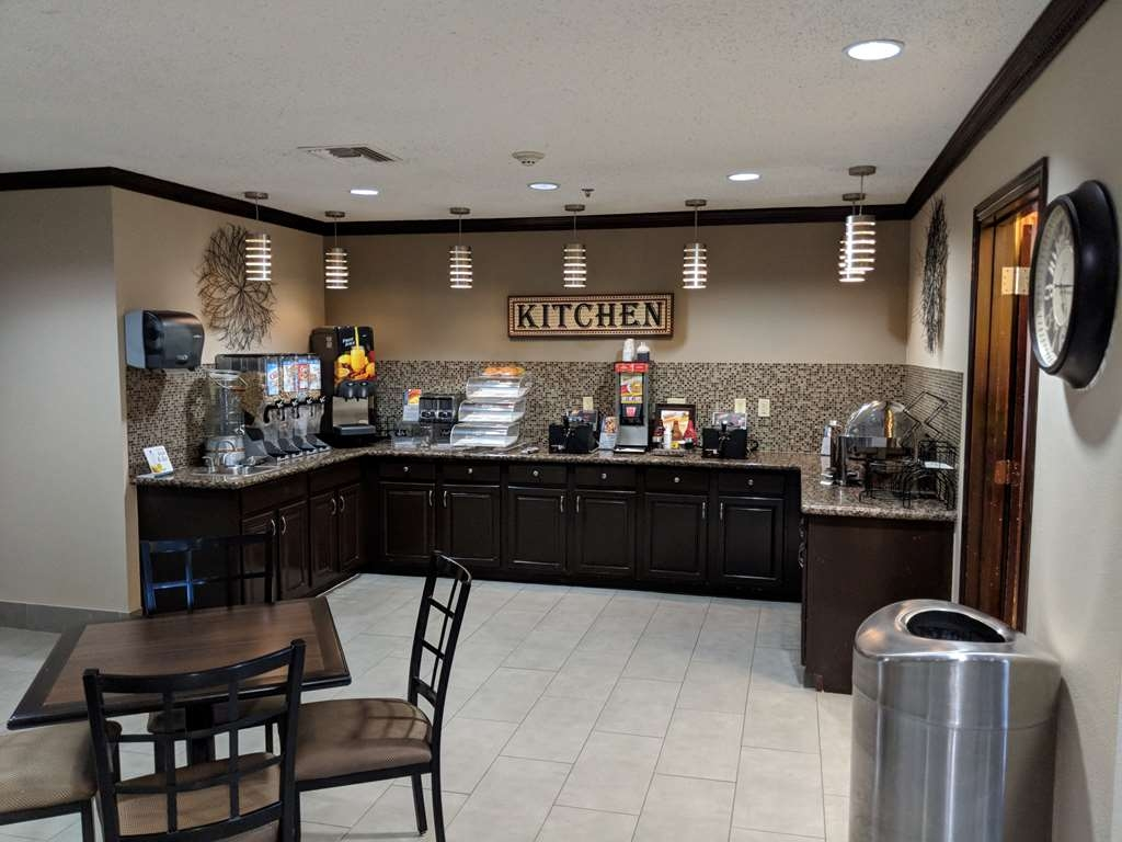 Best Western Plus University Inn & Suites - Rise and shine with a complimentary hot breakfast every morning. 6:30am--9:30am Saturday and Sunday 6:00am--9:30am Monday through Friday for our weekly workers!