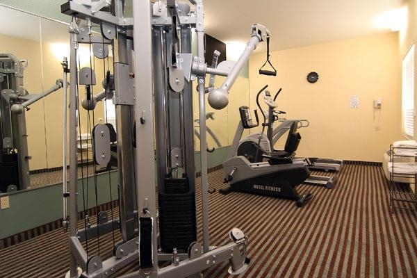 Best Western Marlin Inn & Suites - Fitnessraum