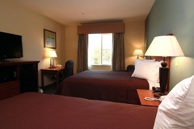 Best Western Marlin Inn & Suites - Guest Room with Two Queen Beds