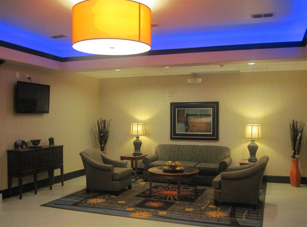 Best Western Plus Midland Suites - Be treated like family the moment you step into this Midland, TX hotel.