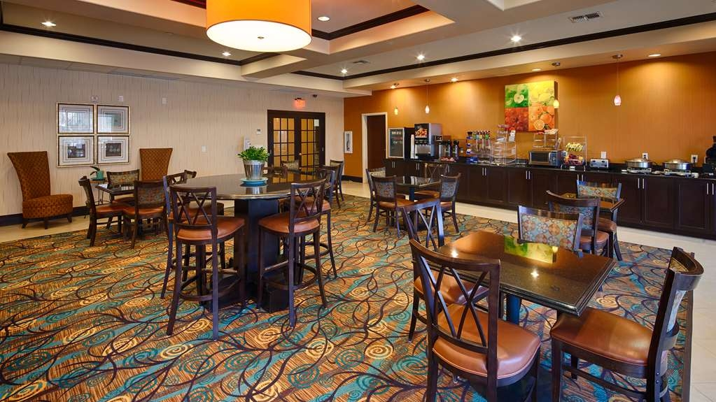 Best Western Plus Midland Suites - Breakfast Area