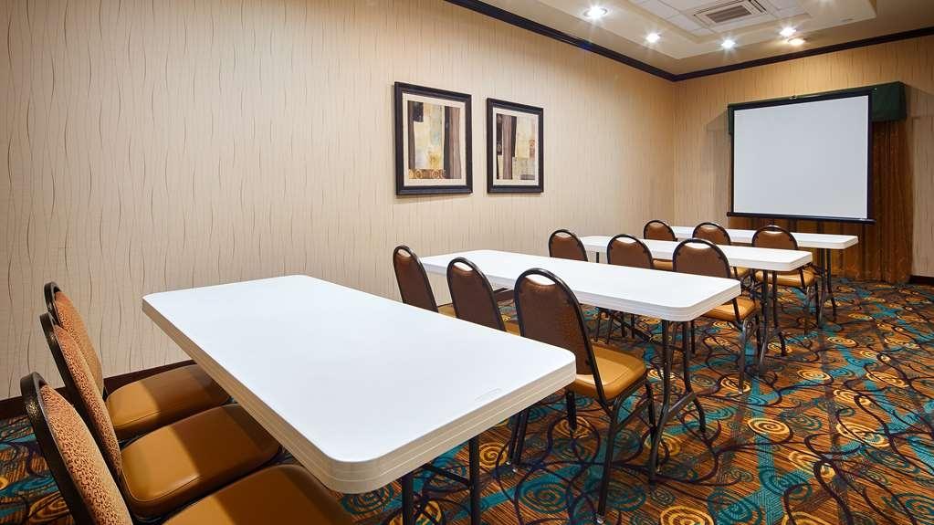 Best Western Plus Midland Suites - Sala de reuniones