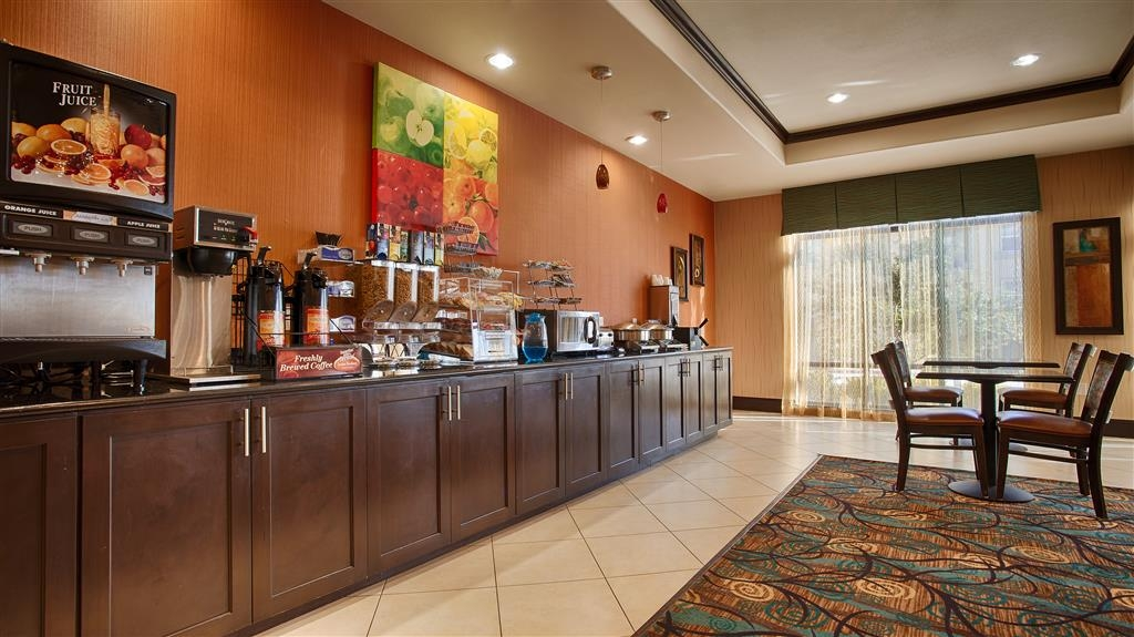 Best Western Plus Midland Suites - Colazione a buffet