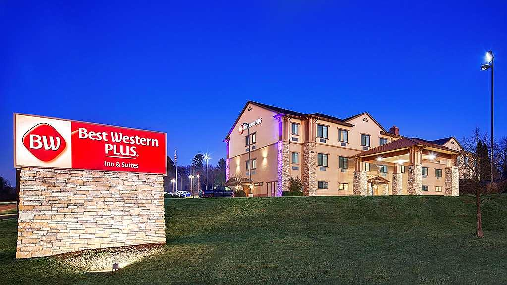 Best Western Plus Royal Mountain Inn & Suites - Area esterna