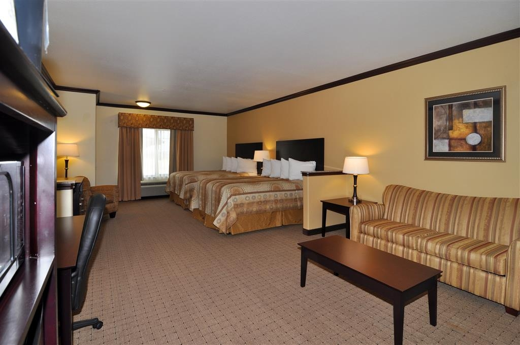 Best Western Plus Royal Mountain Inn & Suites - Two Queen Suite