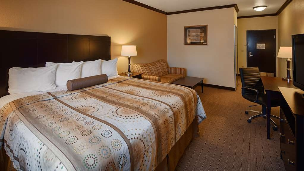 Best Western Plus Royal Mountain Inn & Suites - King Suite