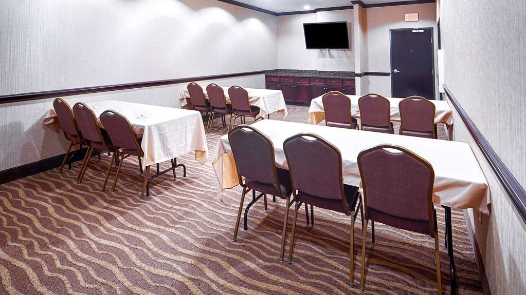 Best Western Plus Royal Mountain Inn & Suites - Meeting Room
