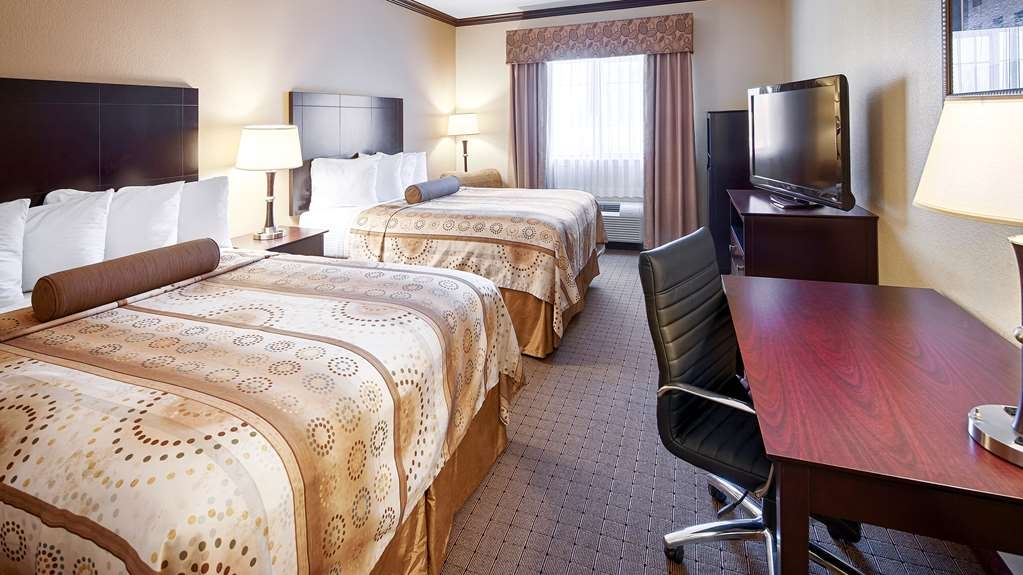 Best Western Plus Royal Mountain Inn & Suites - Two Queen Guest Room