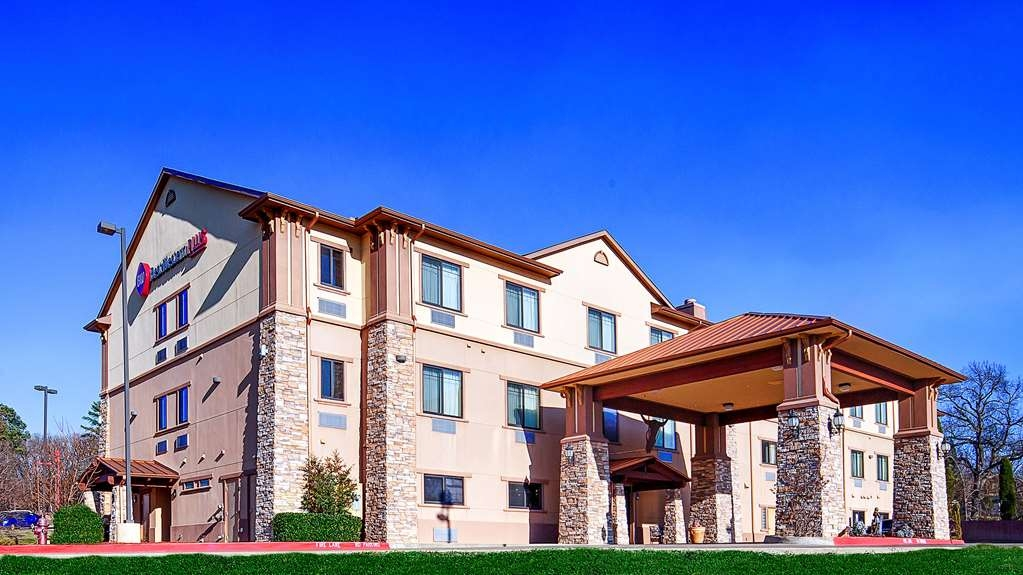 Best Western Plus Royal Mountain Inn & Suites - We pride ourselves on being one of the finest hotels in Athens.