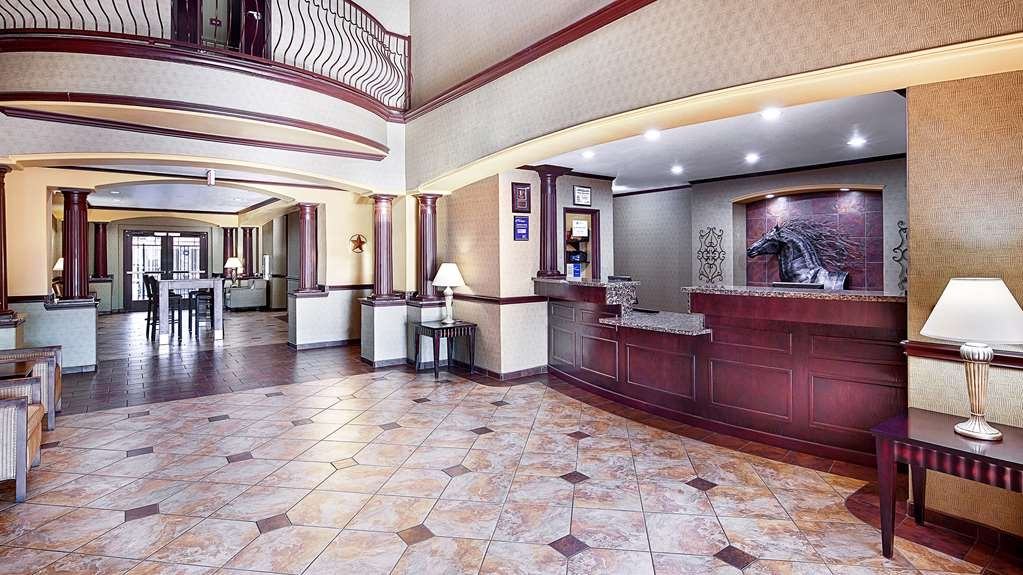 Best Western Plus Royal Mountain Inn & Suites - Hotel Lobby
