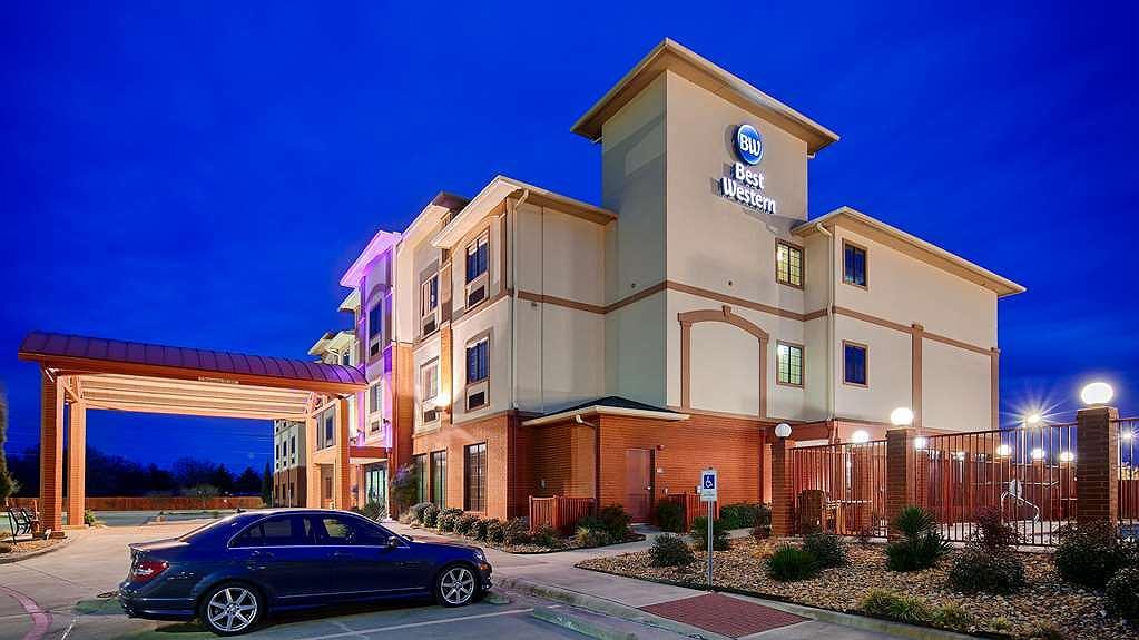 Best Western Giddings Inn & Suites - Vista exterior