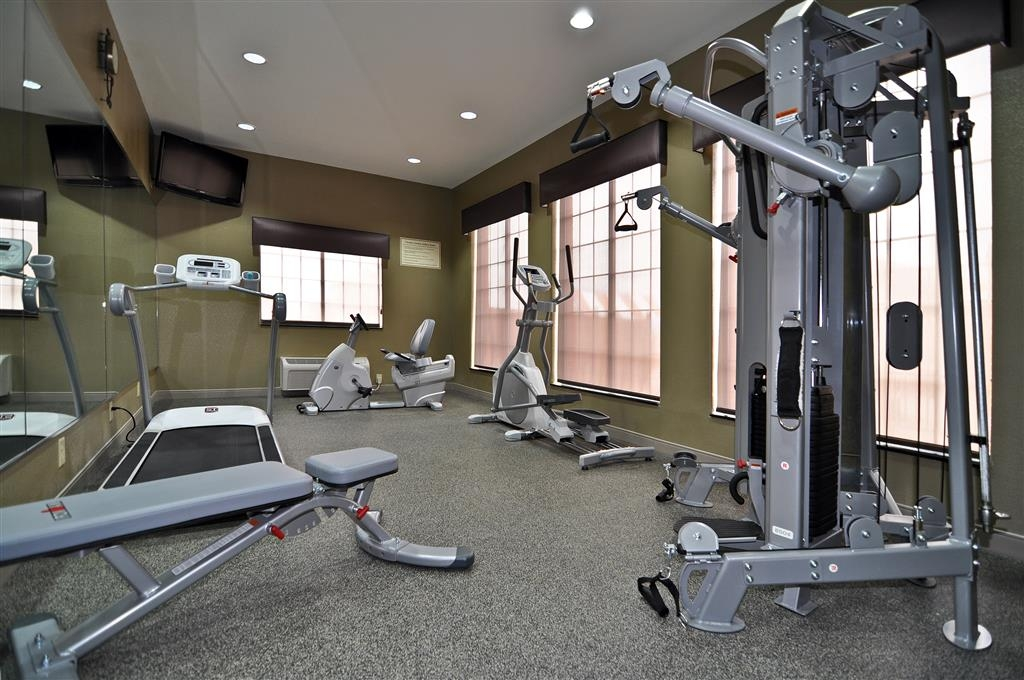 Best Western Giddings Inn & Suites - Feel refreshed after a vigorous workout in our complimentary fitness center.