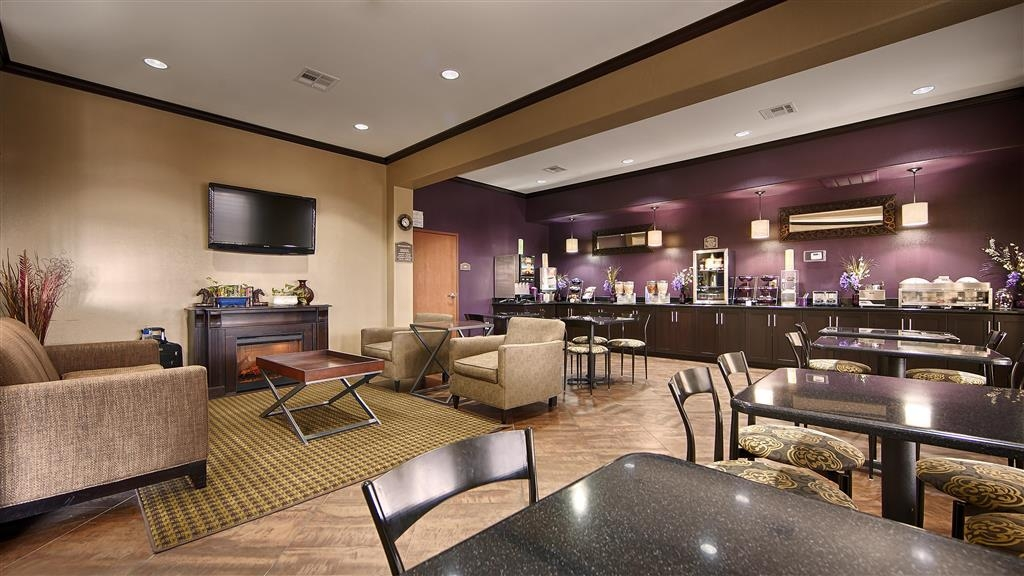 Best Western Giddings Inn & Suites - Our lobby is the perfect spot to relax after a long day of work and travel.