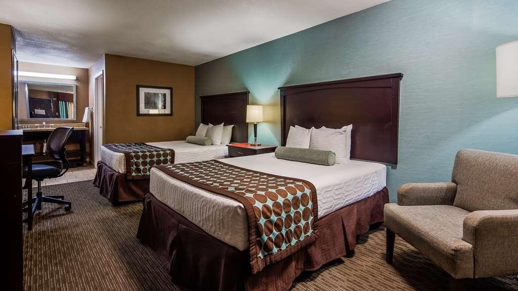 Best Western Huntsville Inn & Suites - Two Queen Guest Room