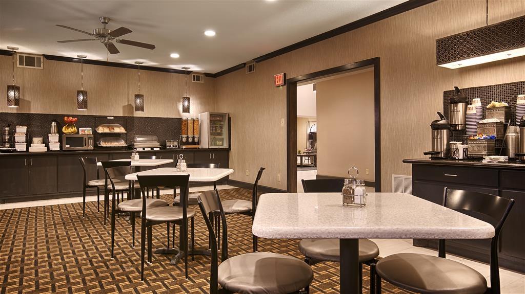 Best Western Huntsville Inn & Suites - Frühstücksbereich