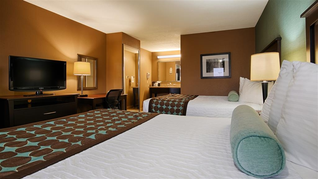 Best Western Huntsville Inn & Suites - Have the perfect family trip in Huntsville, Texas and stay in our standard double with two queen beds.