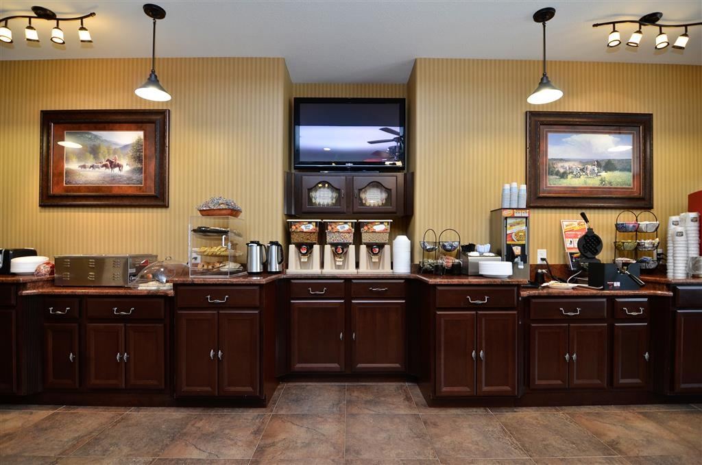 Best Western Plus Blanco Luxury Inn & Suites - Colazione a buffet