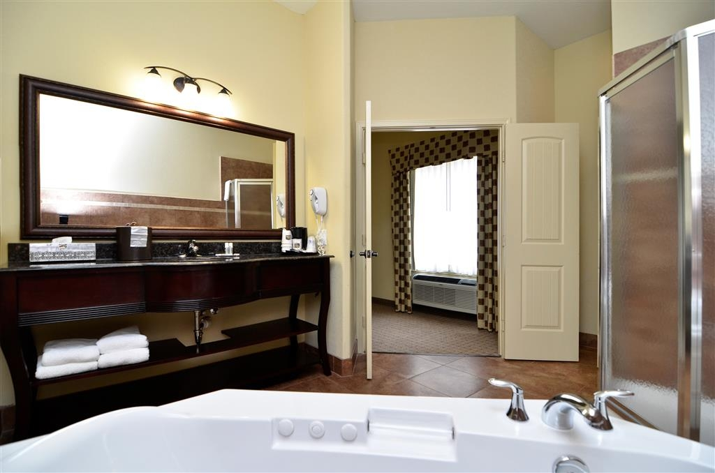 Best Western Plus Blanco Luxury Inn & Suites - Camera