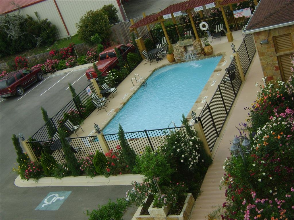 Best Western Plus Blanco Luxury Inn & Suites - Piscina