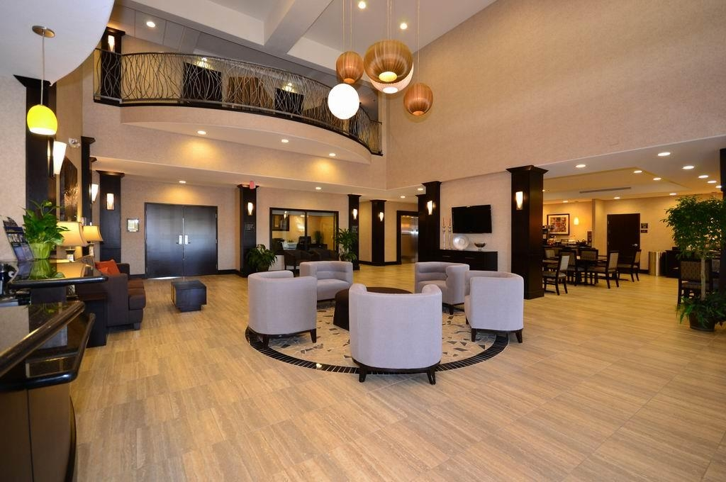 Best Western Plus Lytle Inn & Suites - Vestíbulo