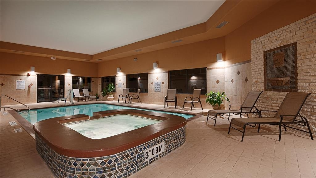 Best Western Plus Lytle Inn & Suites - Relax, unwind and enjoy the relaxing atmosphere in our indoor hot tub.